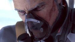 酸素マスクで息を整えるミハイ(老兵)[エースコンバット7]